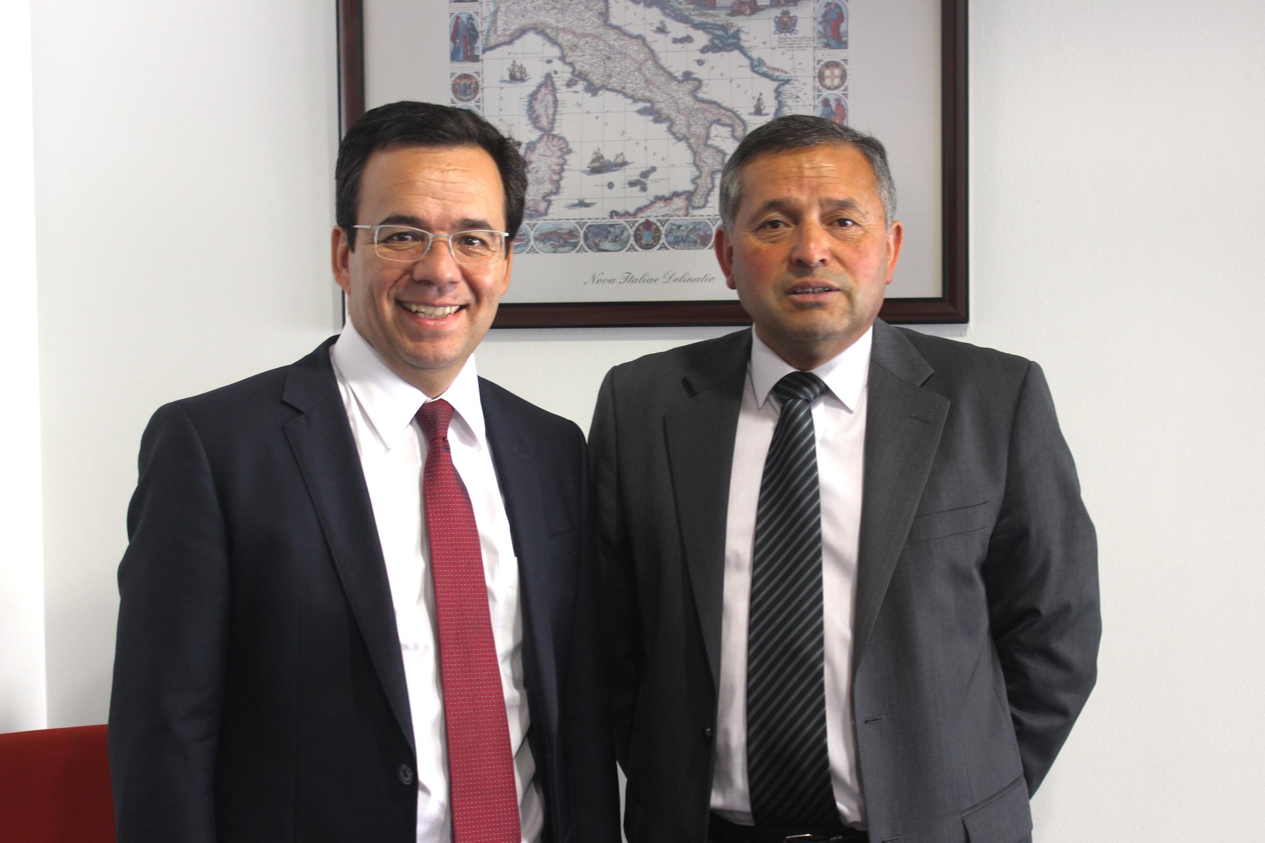 FOTO MINISTRO DE ECONOMIA (2)
